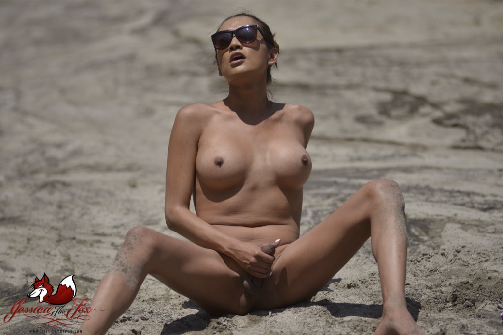 Jessica jacks her thick love stick in the desert.
